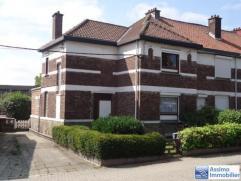 Faire offre à partir de 130.000euro .Maison 3 façades, 3 chambres,jardin,avec emplacement 2 voitures.Composition: au s/sol deux caves,au