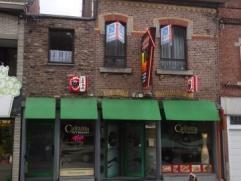 Immeuble mixte en bon état. Composition : Rez-de-chaussée commercial actuellement exploité en taverne-restauration(190m²) av