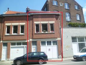 """Petite maison d'habitation de type """"bel-étage"""", avec garage, une chambre (possibilité pour une deuxième). Composition : - sous-so"""