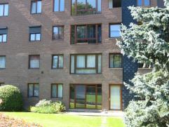 A louer, agréable appartement 1chambre, composé d'unhall d'entrée, cuisine équipée, living, hall de nuit, une salle