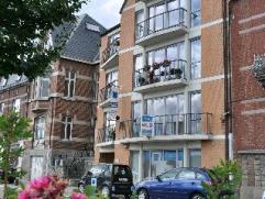 NAMUR avenue Albert 1er , 225. APPARTEMENT offrant une belle vue dégagée sur la Meuse, coquet et lumineux, il est situé au 1er &e