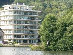 NAMUR (bord de Meuse) av. de la Pairelle, 40. Appartement de standing de +/- 100m² situé au 4ème étage d'une résidenc