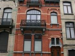 MAISON - SCHAERBEEK - Rue Paul Devigne, 11 Maison de caractère dans un quartier calme, proche d'un parc et des transports en commun.Compos&eacu