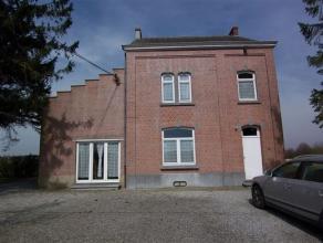 FOSSES-LA-VILLE - Rue de Stierlinsart, 14. Sur les hauteurs de Fosses-la-Ville, belle maison 4 façades de 3-4 chambres située dans un en