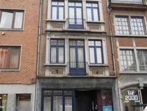 NAMUR - Rue de Gravière, 12 Appartement de deux chambres au premier étage dans un petit immeuble entièrement remis à neuf.