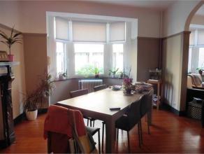 Rue des Carmes, 11 à 5000 Namur. Appartement remis à neuf avec double (85 m2) (situé au 1e étage (sans ascenseur). Situ&ea