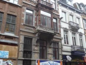 Rue Godefroid, 43 à 5000 Namur.Appartement de ± 45 m² situé au 3e étage avant sans ascenseur. Comprenant : Hall d'ent