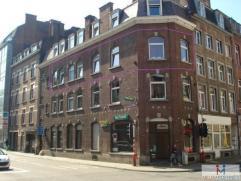 Rue Jean-Baptiste Brabant, 50 à 5000 Namur. Appartement de 72 m² situé au 2e étage avec ascenseur. Comprenant : Hall - W.C s