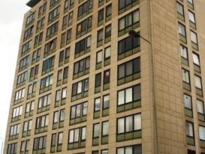 Quai de l'Ecluse, 9/62 à 5000 Namur.Bel appartement de 42 m², peintures neuves, très lumineux et à proximité de toute