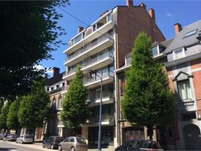 Avenue Cardinal Mercier, 36/8 à 5000 Namur.Magnifique appt de ± 102 m², au 3e étage avec ascenseur. Comprenant : Hall - WC -