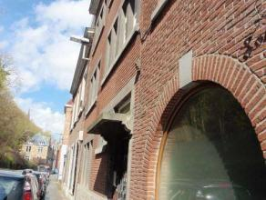 Chaussée de Dinant, 25Bel appartement une chambre de ± 60m² entièrement remis à neuf à La Plante.Idéale