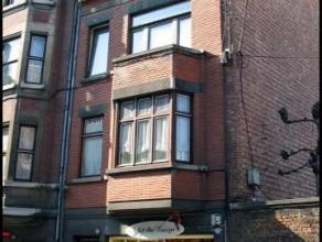 Rue des Carmes, 13 à 5000 Namur.Bel appartement de ± 50 m² situé au 3ème étage sans ascenseur. Comprenant : ha