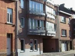 """Dans une résidence dénommée """"Musset"""", un appartement de 82 m² au 2Â étage comprenant : hall, living avec cuisin"""