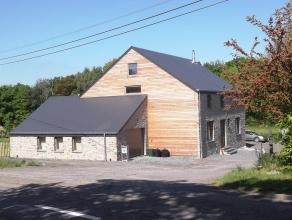Wat een droomhuis werd voor de eigenaar, gebouwd met liefde, goede smaak en duurzame materialen en bewoond sinds 2013 zou nu jullie droomhuis kunnen w