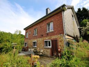 Charmante maison d'habitation 4 façades sur et avec terrain à Longueville (Tohogne), à quelques kilomètres de Durbuy. Le b