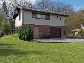 Située à quelques kilomètres à pied de Durbuy, cette agréable maison est implantée au sein d'une voie sans i