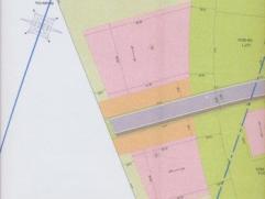 Terrain en zone industrielle à proximité du zoning d'Achêne de 17 ares. Proche de Ciney et des grands axes N4, E411.