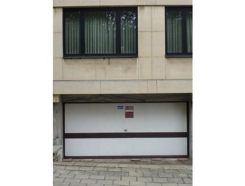 Garage louer etterbeek 110 e12bt les viviers zimmo - Garage a louer etterbeek ...