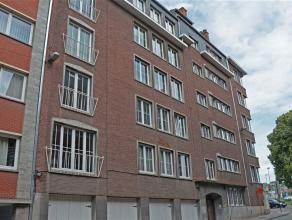 OPTION-OPTION-OPTION Situé au 4ème étage d'une résidence, à 2 pas du centre de Namur (Commerces, transports en comm