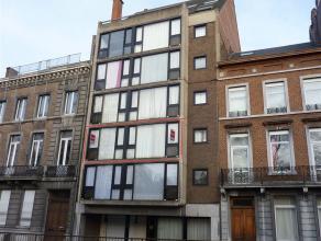Magnifique appartement entièrement rénové et situé au centre de Namur, à proximité de toutes les commodit&ea