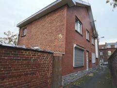 Située dans une ruelle au centre de Marcinelle et à 2 pas des commerces, axes routiers, de la gare de Charleroi,… , cette maison 4 fa&cc
