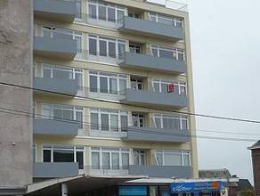 MONT SUR MARCHIENNE :Appartement situé au 4ème étage, avec vue dégagée et ascenseur aux normes, se composant : d'un