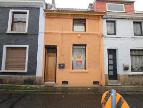 MARCINELLE : Bonne maison dans quartier calme, elle vous propose en Rez : hall d'entrée, salon, salle à manger, cuisine équip&eac