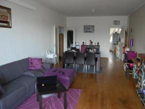 Appartement de 90 m² au quatrième étage. A proximité de toutes commodités, composé dun living, dune cuisine &e