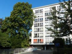 GILLY, très bel appartement 3 chambres, rénové en 2013,  2 terrasses, caves et garage. Très lumineux 150 000€