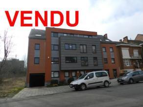 Dans une très belle résidence, magnifique appartement 2 chambres avec terrasse, cave et garage.  Commerces de proximité à