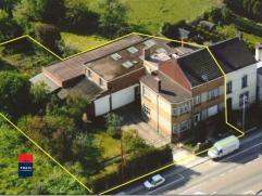 MONT-SUR-MARCHIENNE : Vaste maison avec garage et entrepôt/atelier. Cette maison convient parfaitement pour une activité indépenda