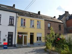 MONT-SUR-MARCHIENNE : Maison deux façades située au fond d'une rue en cul de sac. Accès facile aux transports en commun, au R3, e