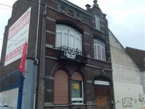 MARCINELLE : Belle et spacieuse maison de maître restaurée sur une surface de 5 ares sis dans une rue calme non loin du centre et des axe