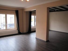 TRIPLEX DE +/- 260 M²Composition : Entrée privative - Cuisine équipée - Salon, Salle à manger- Hall de nuit - 3 Chamb