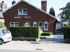 Villa 4 façades très bien située à proximité des grands axes (Bruxelles, Mons, Charleroi...) mais aussi de toutes l