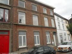 Gilly Coquet Appartement Duplex (+-70m²) situé au rez-de-chaussée d'un immeuble de 4 appartements comprenant: séjour, cuisin