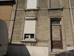 Mont-sur-Marchienne : à vendre maison à rénover comprenant hall d'entrée, living, cuisine, salle de douche, 2 chambres, gr