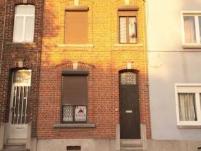 Marcinelle : à vendre maison à moderniser et offrant de beaux volumes, elle se compose d'un salon, salle à manger, cuisine meubl&