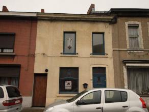 Marcinelle : à vendre proche de toutes commodités maison comprenant hall d'entrée, salon, salle à manger, cuisine, salle d