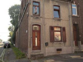 Marcinelle : à vendre dans endroit calme maison 3 façades en bon état comprenant hall d'entrée, salon, salle à mang