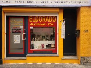Charleroi : à louer dans centre ville surface commerciale comprenant pièce principale, à l'arrière pièce de v