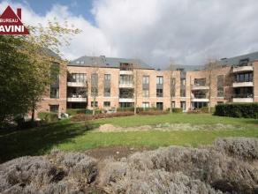Mont-sur-Marchienne (limite Marcinelle) : à louer dans un immeuble construit en 2006, splendide appartement au 1er étage comprenant hall