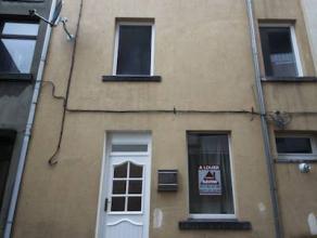 VISITES : 0488/65.34.40Fleurus : à louer dans une rue très calme, maison entièrement rénovée comprenant