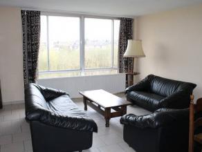 Bon appartement situé au 5ème étage proches de toutes commodités comprenant:Sous-sol: Cave privativeHall d'entré -