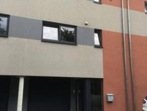 Réf agence : 9826LIBRE SELON CONVENANCE AVEC LES LOCATAIRES ACTUELSHall d'entrée, buanderie, terrasse, escalier menant à l'&eacut