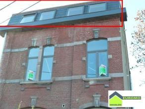Loft entièrement rénové de +/-90 M² situé sous-toiture A QUELQUES METRES DE LA ROUTE DE LA BASSE SAMBRE - A 5' DE COM