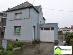 POSSIBILITE DE FAIRE OFFRE A PARTIR DE 130.000 euro Maison trois façades à rénover avec jardin et garage située dans un qu