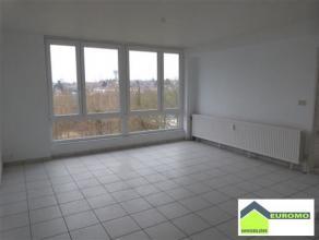 Bel appartement lumineux rénové (+/-70 M²) situé au 5ème étage avec garage individuel en sous-sol- TB situatio