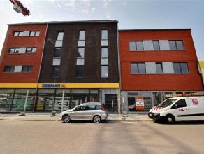 Au cur du centre-ville et de ses facilités, 9 appartements (dont 2 vendus) 2 et 3 chambres dans un immeuble neuf : 3 appartements 2 chambres de