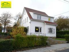 Marcinelle: (proximité quartier des Bruyères) belle villa 4 façades spacieuses dans un quartier résidentiel comprenant: Ha